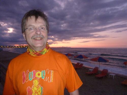 Malte dans son Tshirt VOUKOUM à Rethymnon